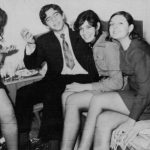1969 - Από πάρτι εκείνης της εποχής.  Τυχερός ο Γιάννης Ορφανός (ο ένας εκ των διδύμων) που έχει παρέα μερικά από τα πιο όμορφα κορίτσια της Ηλιούπολης. Στο βάθος η Παναγιώτα , δίπλα στο Γιάννη η .................και δίπλα της η Βάσω.
